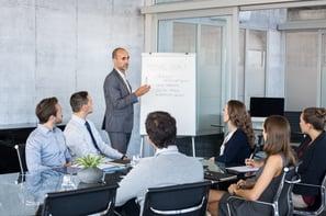 leader-briefing-business-people-PJECLTE